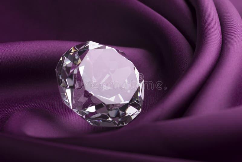 Glänzender Diamant lizenzfreie stockfotos