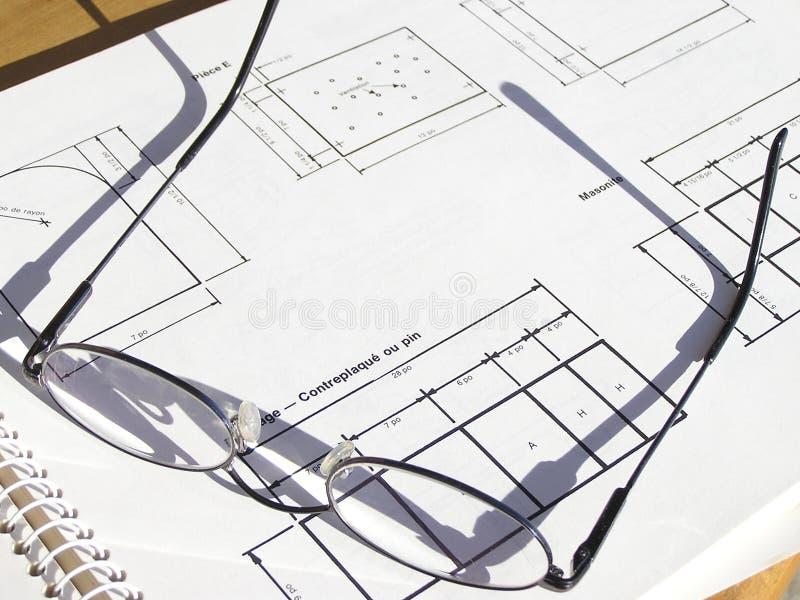 Gläser Auf Einer Lichtpause Stockfotos