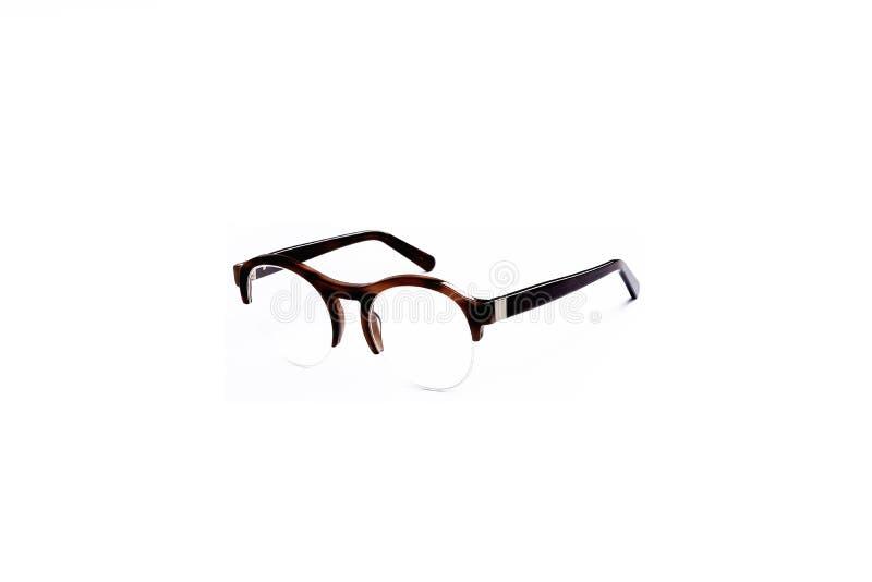 Gläser mit transparenten Gläsern in einem modernen Rahmen auf einem lokalisierten weißen Hintergrund lizenzfreies stockbild