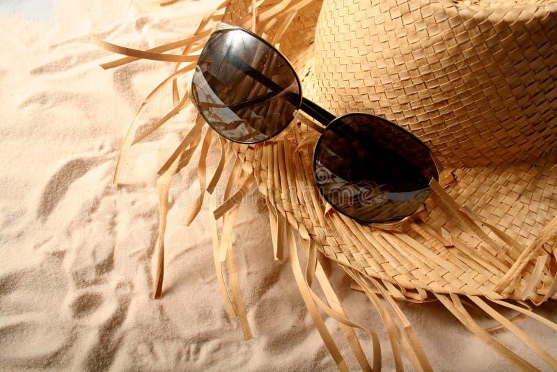 Gläser und Hut lizenzfreie stockfotografie