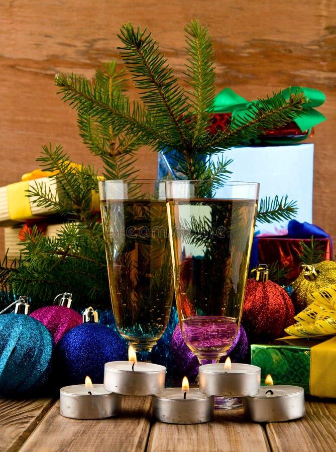 Gläser und Kerzen lizenzfreies stockbild