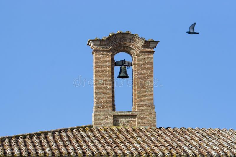 Glöckchenglockenturm lizenzfreie stockbilder