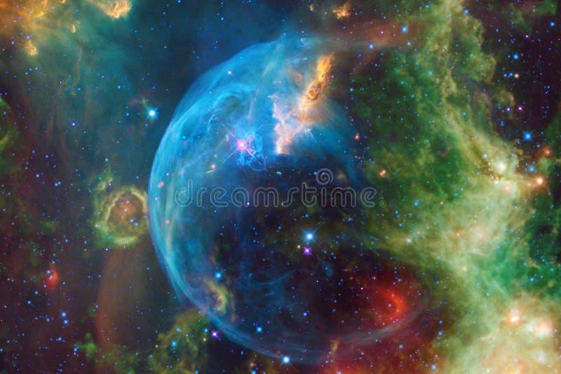 Glödande galax, enorm sciencetapet royaltyfri foto