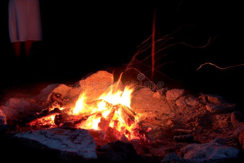 Glödar - campfire fotografering för bildbyråer