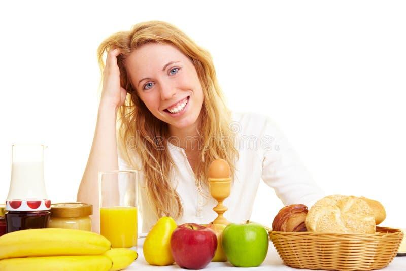 Glücklich am Frühstück lizenzfreies stockbild