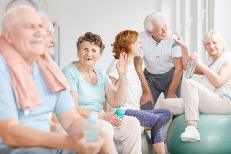 Glückliche ältere Leute lizenzfreies stockfoto