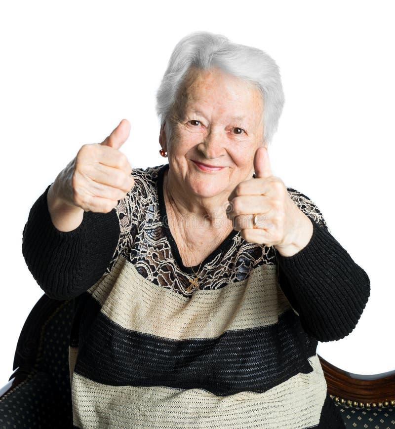 Glückliche Alte Frau, Die Okayzeichen Zeigt Stockfoto