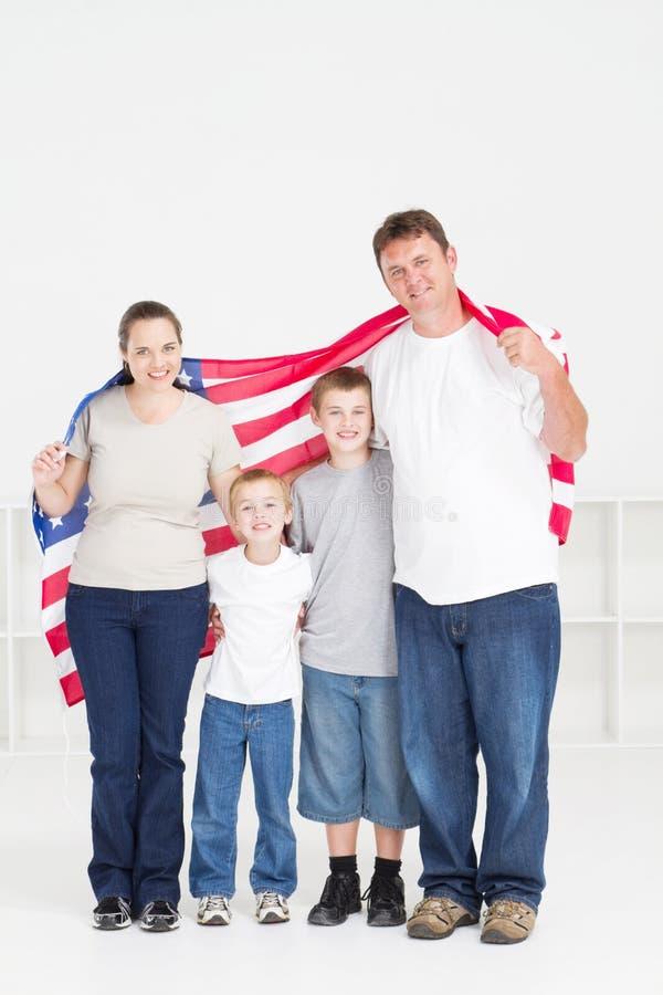 Glückliche amerikanische Familie stockfotografie