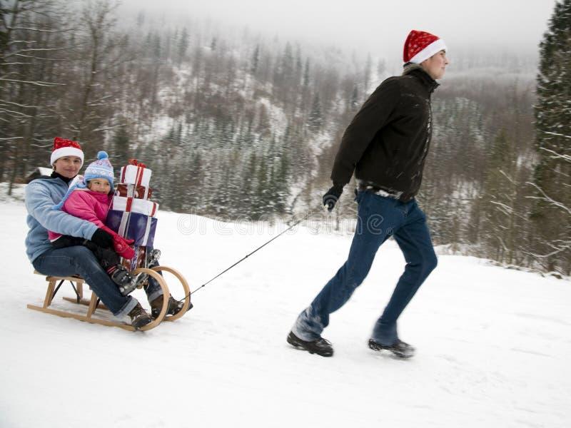Glückliche Familie feiern Weihnachten lizenzfreie stockfotografie