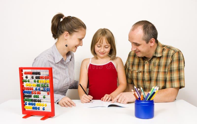 Glückliche Familie zusammen lizenzfreie stockfotografie