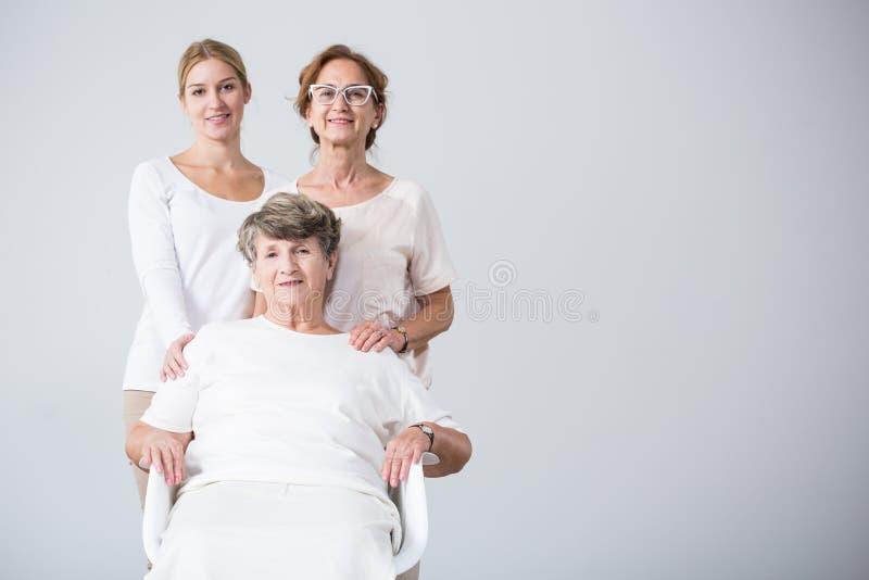 Glückliche Familie zusammen lizenzfreies stockbild