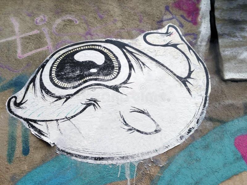 Glückliche Fische klebten städtische Papierkunst lizenzfreie stockbilder