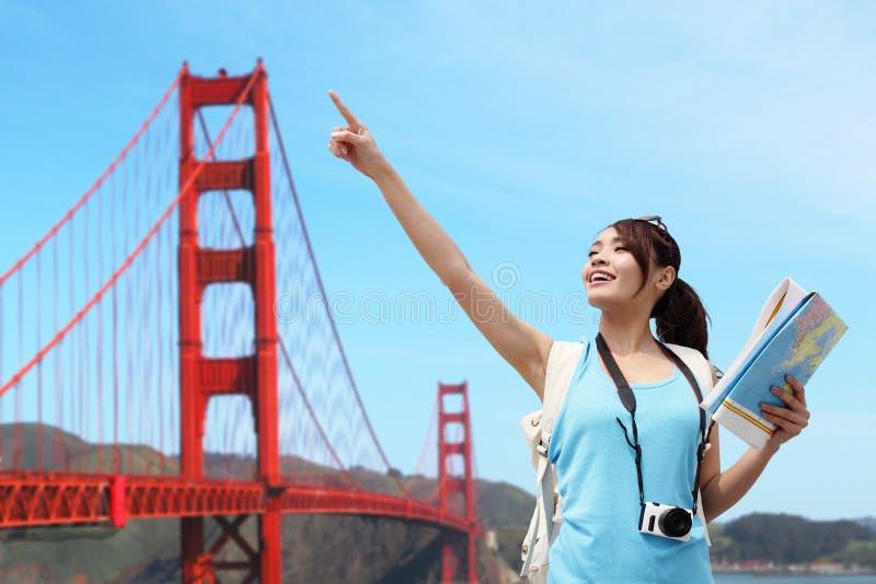 Glückliche Frauenreise in San Francisco lizenzfreies stockbild