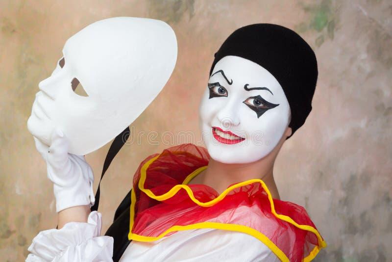 Glückliche Gesichtsmaske lizenzfreies stockfoto