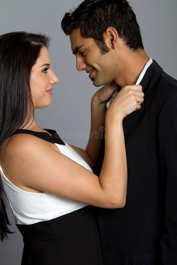 Glückliche junge ethnische Paare stockfotos