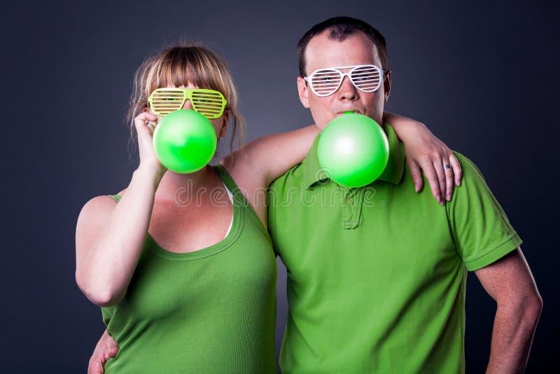 Download Glückliche Junge Paare, Die Spaß Haben Stockfoto - Bild von hintergrund, ausdruck: 26369466