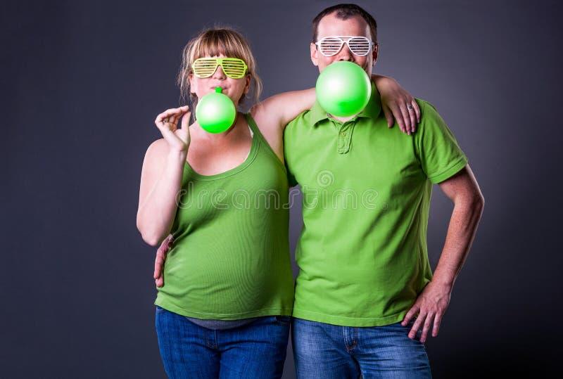 Download Glückliche Junge Paare, Die Spaß Haben Stockbild - Bild von glück, liebe: 26369469