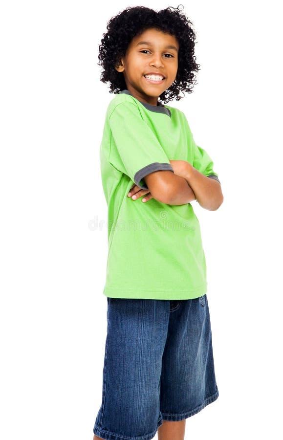 Glückliche Jungen-Stellung stockfotografie