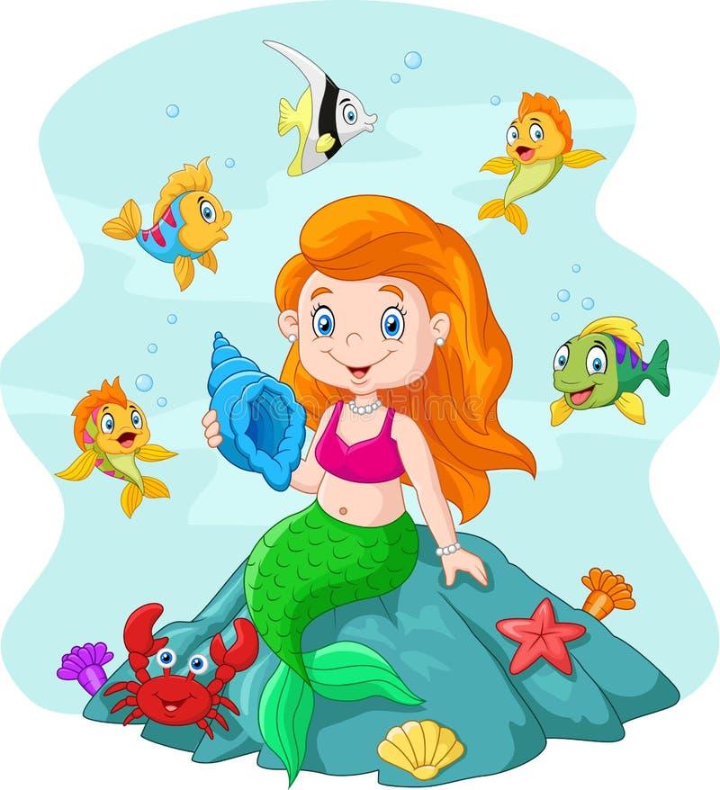 Glückliche kleine Meerjungfrau, die Muschel der Felsen umgeben durch Fische hält stock abbildung