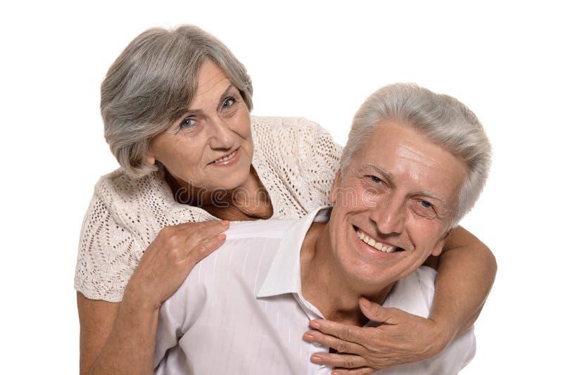 Glückliche lächelnde alte Paare stockfoto