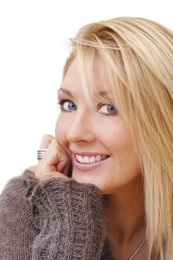 Glückliche lächelnde Dame lizenzfreie stockbilder