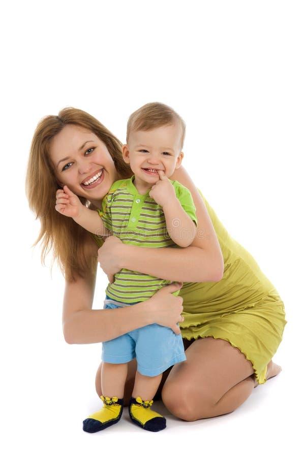 Glückliche Mutter mit ihrem kleinen Jungen stockbilder
