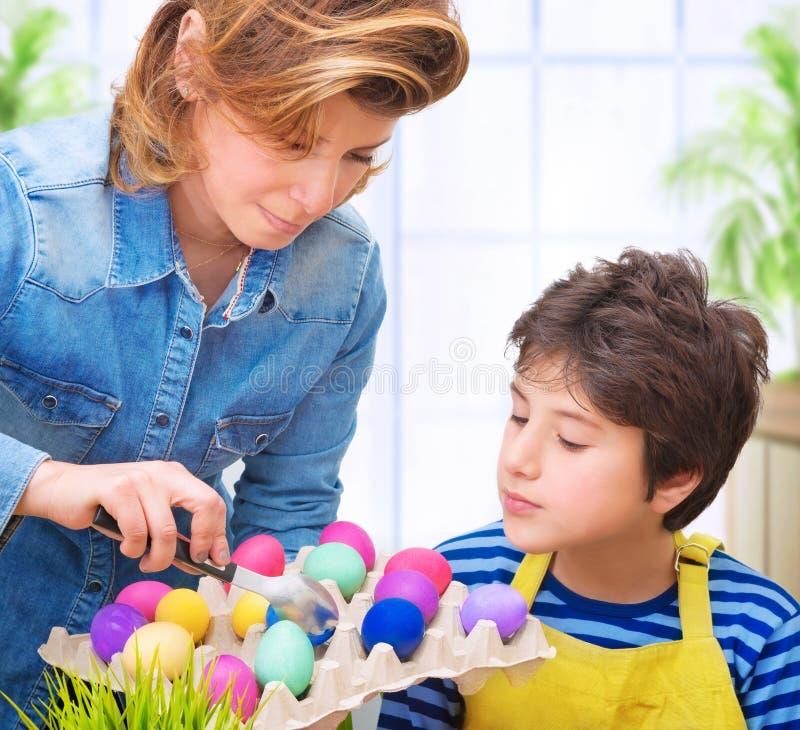 Glückliche Ostern-Tradition lizenzfreie stockfotografie