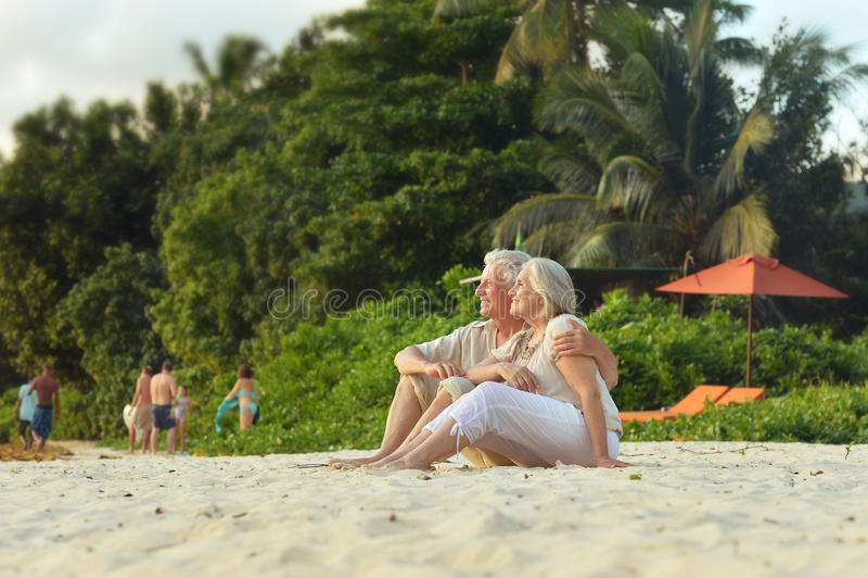 Glückliche reife Paare im Urlaub stockfoto