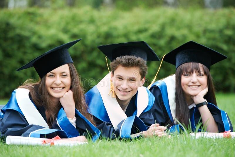 Glückliche Studenten im Aufbaustudium stockfoto