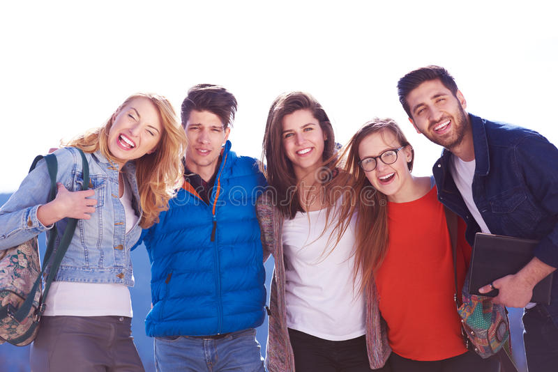 Glückliche Studentengruppe lizenzfreies stockbild