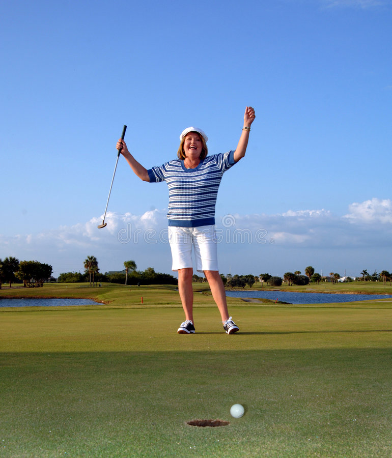 Glücklicher Frau Golfspieler lizenzfreie stockfotos
