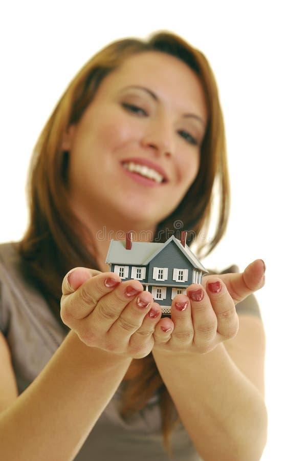 Glücklicher Grundstücksmakler lizenzfreies stockfoto