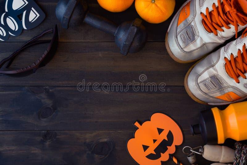 Glücklicher Halloween-Tag mit Eignung, Übung, Ausarbeiten gesund lizenzfreie stockfotografie