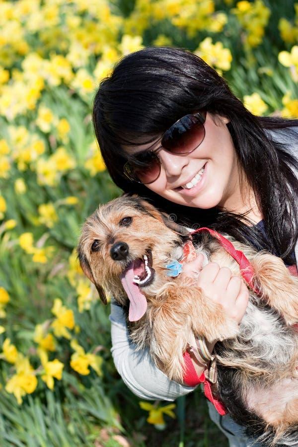 Glücklicher Haustier-Inhaber lizenzfreies stockfoto