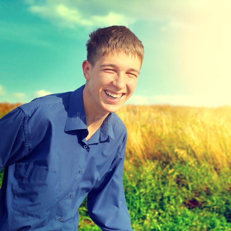 Glücklicher Jugendlichbetrieb stockfotografie