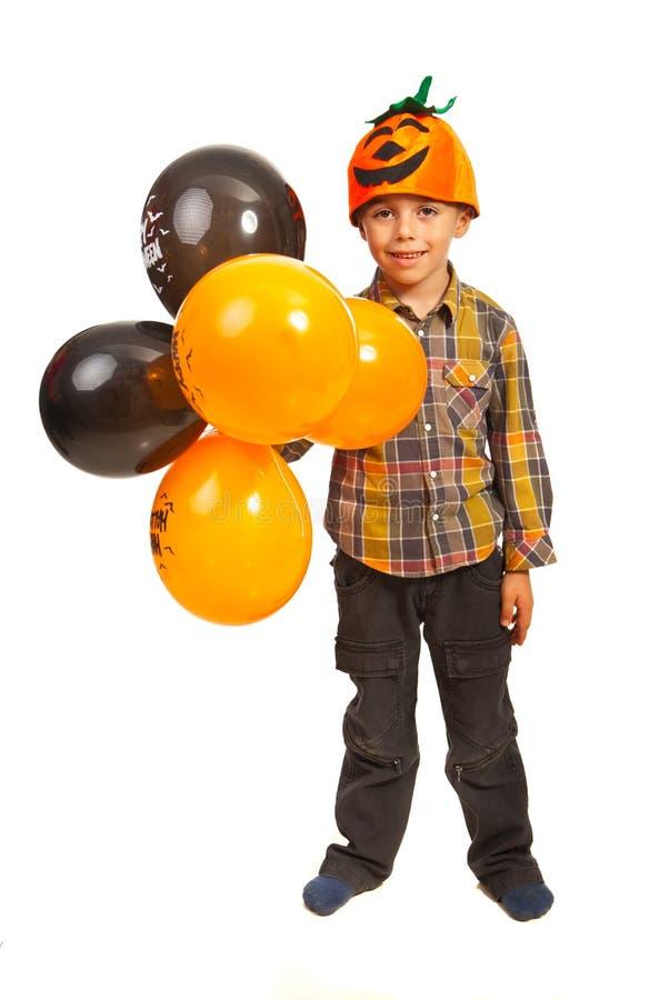 Download Glücklicher Junge Mit Halloween-Ballonen Stockbild - Bild von hände, modern: 27733789