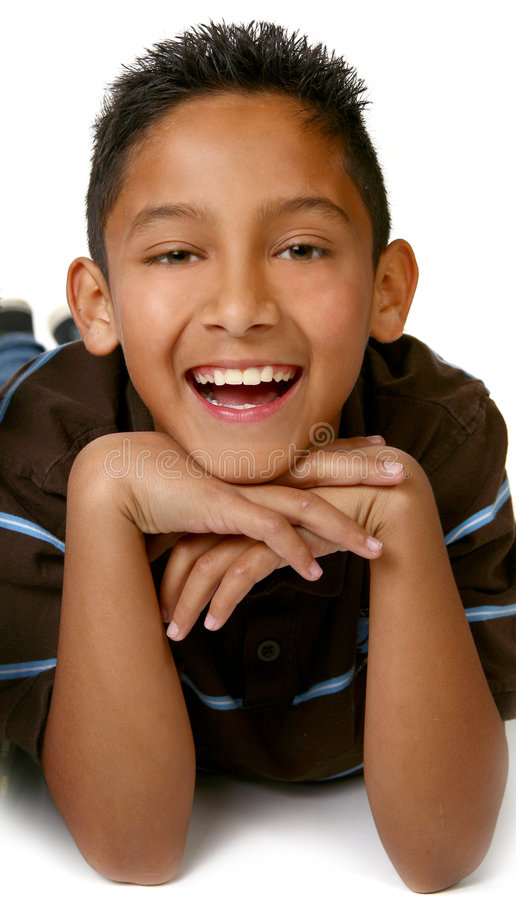 Glücklicher junger hispanischer mexiko-amerikanischer Junge lizenzfreie stockbilder