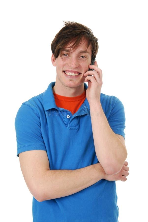 Glücklicher Mann auf einem Handy lizenzfreie stockfotos