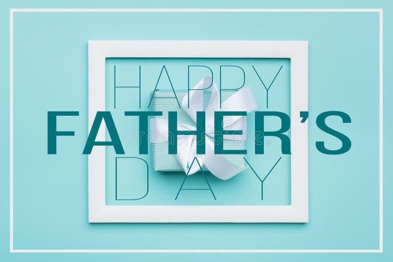 Glücklicher Vater ` s Tagpastellsüßigkeit färbt Hintergrund Flache Lageminimalismus-Grußkarte mit Bilderrahmen stock abbildung