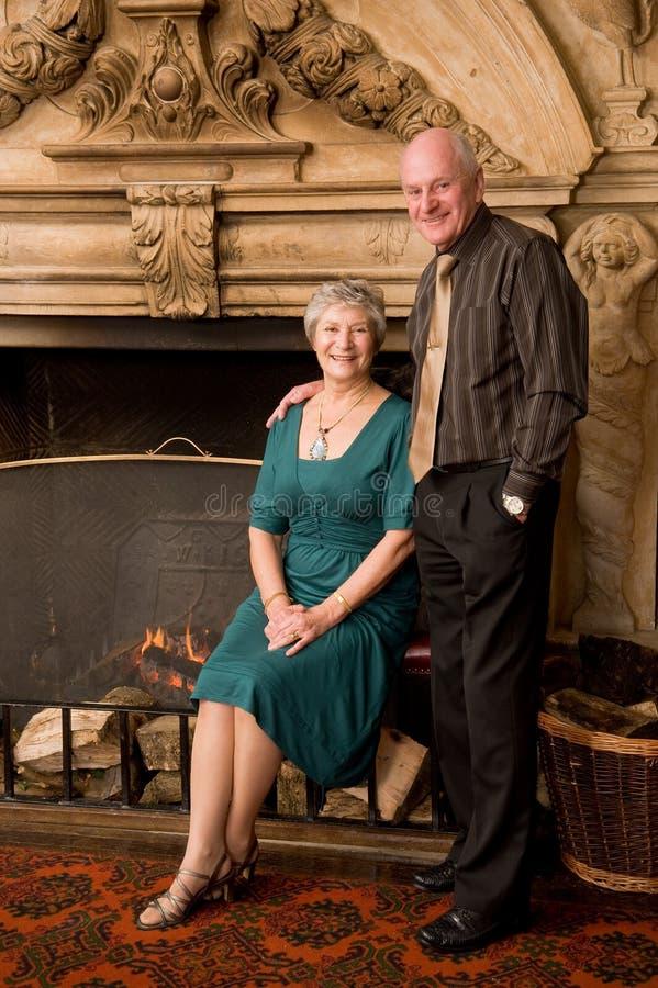 Glückliches älteres Paarportrait lizenzfreies stockfoto