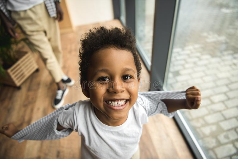 Glückliches Afroamerikaner-Kind stockbilder