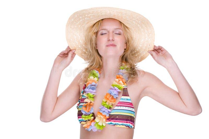 Glückliches Bikinimädchen mit Leu stockfotografie