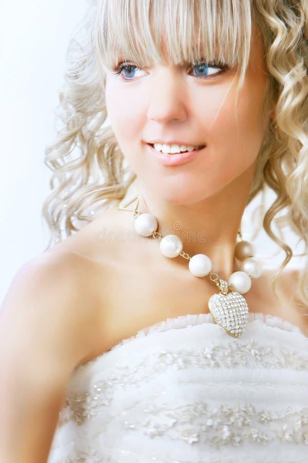 Glückliches Brautportrait lizenzfreie stockbilder