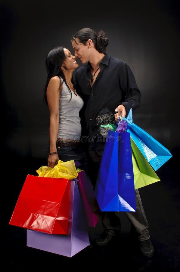 Glückliches Einkaufen stockbild