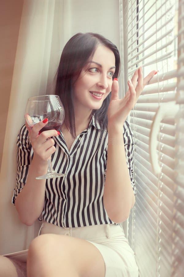 Glückliches Frauenlächeln stockbilder