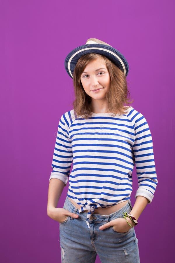 Glückliches jugendlich Mädchen stockfotografie