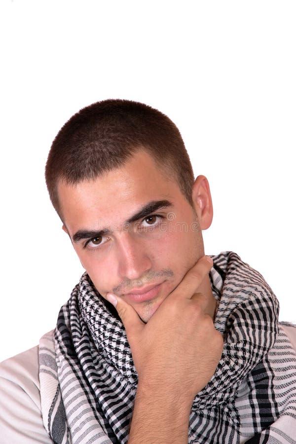 Glückliches junges beiläufiges Mannportrait lizenzfreies stockfoto
