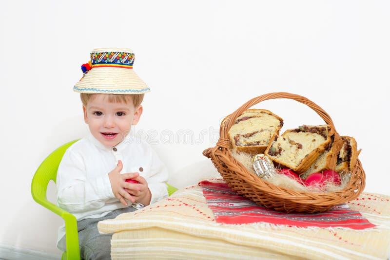 Glückliches Kind Ostern-Anordnung stockfoto