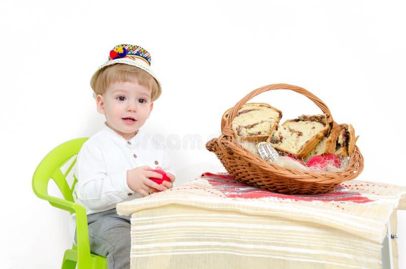 Glückliches Kind Ostern-Anordnung stockbild