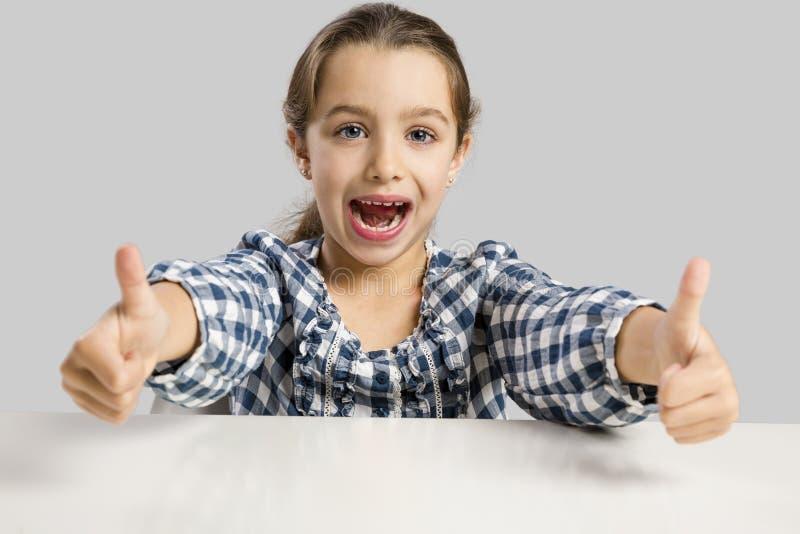 Glückliches kleines in der Schule stockfotos